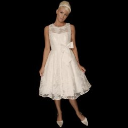 50es évek stílusú menyasszonyi ruha/ 50s style wedding dress Forrás:http://www.cuttingedgebrides.com