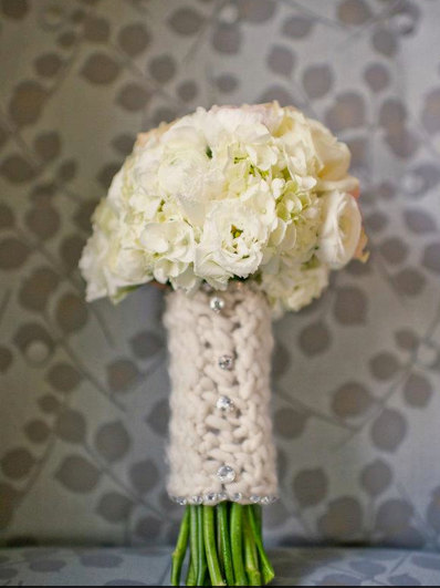 csokor tartó és szár takaró ötlet 19 Bridal bouquet wrap and holder ideas 19 Forrás:http://www.etsy.com