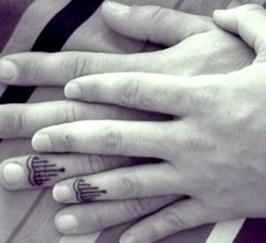 Esküvői gyűrű tetoválás 6 /Wedding ring tattoo 6 Forrás:http://www.rounds.com