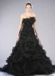 Fekete menyasszonyi ruha 4, Black Wedding Gown 4 Forrás:http://www.guidesforbrides.co.uk