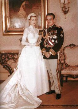 Grace Kelly menyasszonyi ruhája 3 / Grace Kelly wedding dress 3 Forrás:http://allvip.us