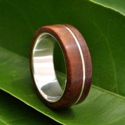 Gyűrű fából és újrahasznosított ezüstből 2 / Wood ring with recycled sterling silver 2 Forrás:http://www.etsy.com/shop/naturalezanica