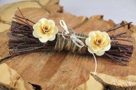 Wedding ring bearer pillow alternatives 16 Forrás:http://www.etsy.com