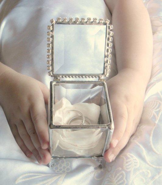 Wedding ring bearer pillow alternatives 2 Forrás:http://www.etsy.com