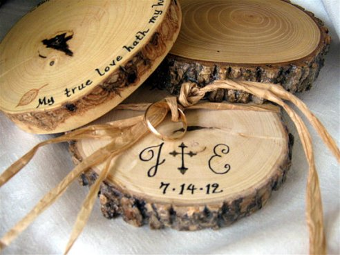 Wedding ring bearer pillow alternatives 6 Forrás:http://www.etsy.com