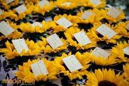 Napraforgós ültetőkártya / Sunflower seating card Forrás:http://bellafiori-events.blogspot.fr