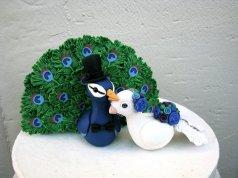 Pávatollas nászpár 3 , Peacock wedding cake toppers 3 Forrás:http://www.etsy.com