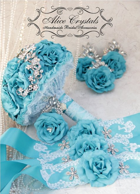 Türkiz bross csokor , Turquoise brooch bouquet Forrás:http://www.etsy.com