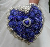 Titanic inspirációjú csokor / Titanic inspired brooch-bouquet Forrás:http://blog.mybridaldream.com