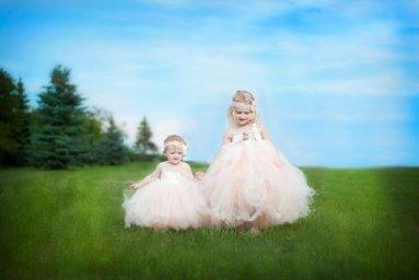 Barackszínű tütü virágszirom szóró lányka ruha ,Peach tutu flower girl dress Forrás:http://www.etsy.com/