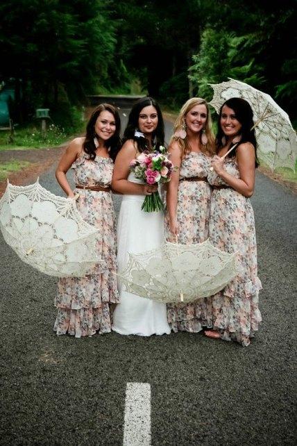 Csipke napernyő koszorúslányoknak , Lace sun umbrella for bridesmaid gifts Forrás:www.etsy.com