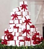 Karácsonyi esküvői torta , Christmas wedding cake Forrás:http://aweddingcakeblog.com/