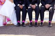Színes zoknik a vőlegénynek és a vőfélyeknek 3, Colourful socks for the groom and groomsmen 3 Forrás:www.fairytaleevents.com.au -