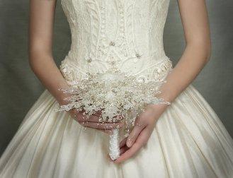 Téli menyasszonyi csokor 5 ,Winter wedding bouquets 5 Forrás:http://www.etsy