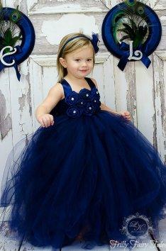 Tengerészkék tütü virágszirom szóró lányka ruha 2,Navy tutu flower girl dress 2 Forrás:http://www.etsy.com/