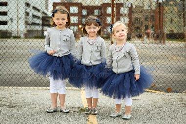 Tengerészkék tütü virágszirom szóró lányka ruha ,Navy tutu flower girl dress Forrás:http://www.etsy.com/