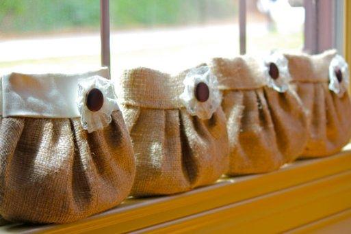 Zsákvászon koszorúslány táska , Burlap bridesmaids clutch purses Forrás:www.etsy.com