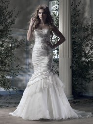 Ian Stuart Frill Me Collection Cristal Forrás:http://www.ianstuart-bride.com/