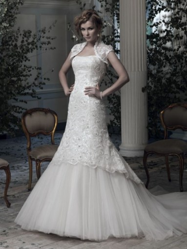 Ian Stuart Frill Me Collection Estelle Forrás:http://www.ianstuart-bride.com/