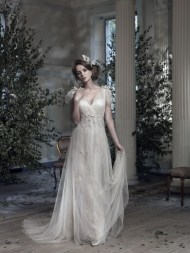 Ian Stuart Frill Me Collection Midsummer Dream Forrás:http://www.ianstuart-bride.com/