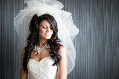 Menyasszonyi frizura buborék fátyollal 23 , Bridal hairstyles with bubble veil 23 Forrás:http://www.etsy.com