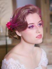 Menyasszonyi frizura fátyollal 5 , Bridal hairstyles with veil 5 Forrás:http://www.etsy.com