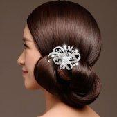 Menyasszonyi frizura ,hosszú barna hajból 12, Bridal long brown hair 12 Forrás:http://www.etsy.com