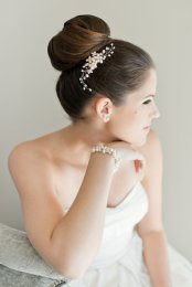 Menyasszonyi frizura ,hosszú barna hajból 19, Bridal long brown hair 19 Forrás:http://www.etsy.com