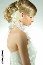 Menyasszonyi frizura ,hosszú szőke hajból 2 , Bridal long blonde hair 2 Forrás:http://www.nicodonadelli.it