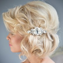 Menyasszonyi frizura ,hosszú szőke hajból 20, Bridal long blonde hair 20 Forrás:http://www.etsy.com