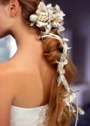 Menyasszonyi frizura ,hosszú szőke hajból 5, Bridal long blonde hair 5 Forrás:http://foto-pricheski.ru