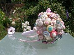 Gombos menyasszonyi csokor 8, Button bridal bouquet 8Forrás: www.etsy.com