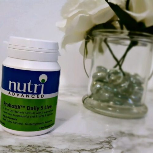 nutri advanced probotix daily 5 live review pictur of bottle containing capsules