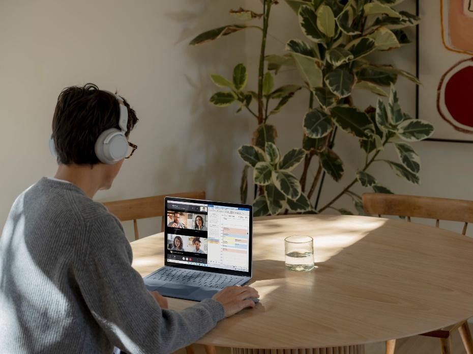 微軟:遠距辦公讓員工有數位超載的過勞現象