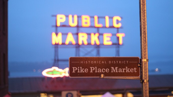 Pike Place Market, Seattle, Washington, Chili, Tourists