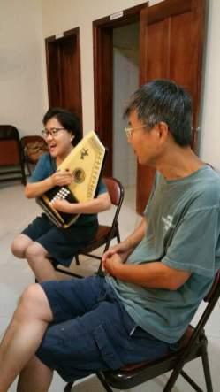은혜로운 찬양과 악기 연주