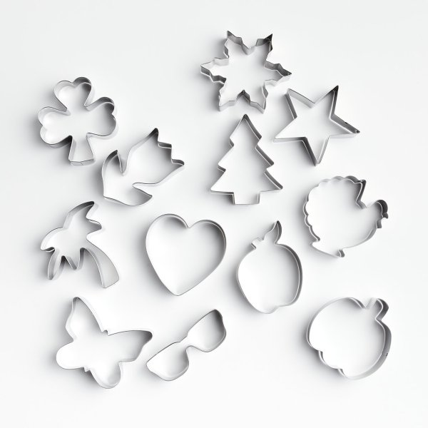 a-year-of-cookie-cutters-C&B
