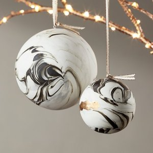 marble-christams-ornament