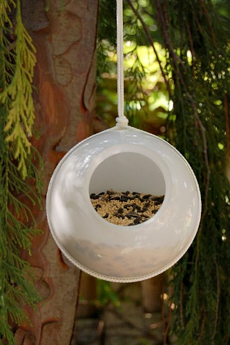 old light bird feeder