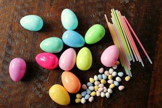 glow in the dark easter eggs glow sitcks