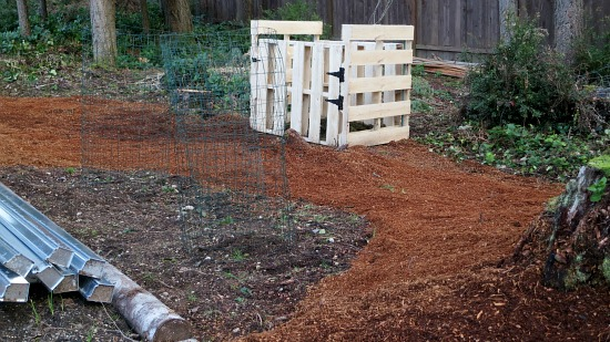 recycled wood pallet compost bin
