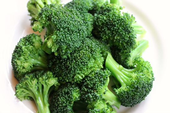 Steamed Broccoli With a Simple Lime Dressing