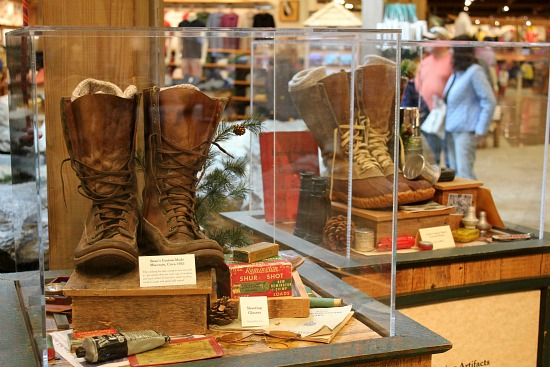 ll bean flagship store freeport maine boots