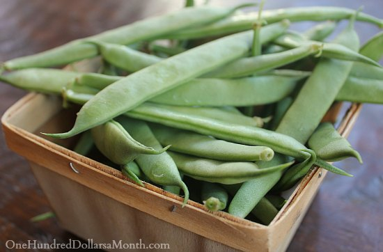 green beans wooden basket
