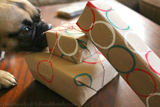 Easy Kids Crafts DIY Wrapping Paper