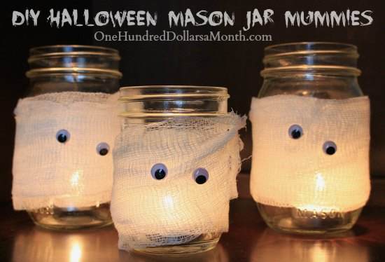 DIY-Halloween-Mason-Jar-Mummies-Easy-Crafts-for-Kids
