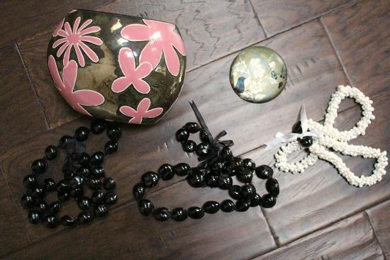 black nut beads hawaii