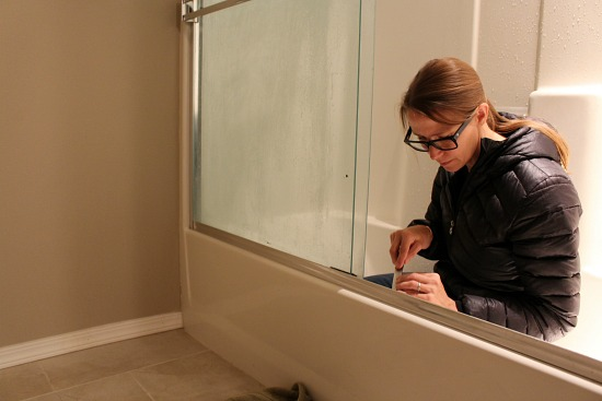 caulked-tub