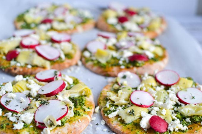 Artichoke and Spinach Pesto Pita Pizza
