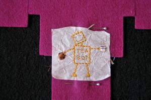 Robô bordado